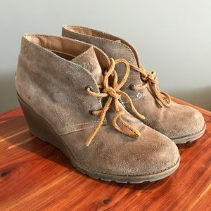 Sperry Tan Suede Wedge Boots Women's Size 6.5
